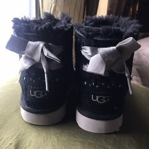 Authentic Uggs toddler size 7